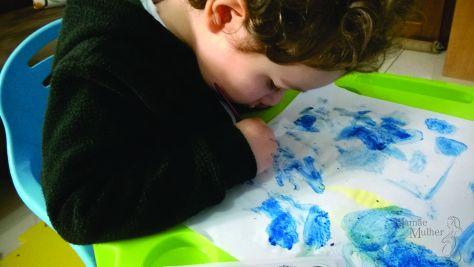 Thomasinho pintando2